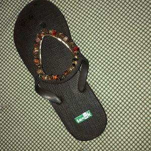 Sanuk Shoes - Sanuk beaded flip-flops